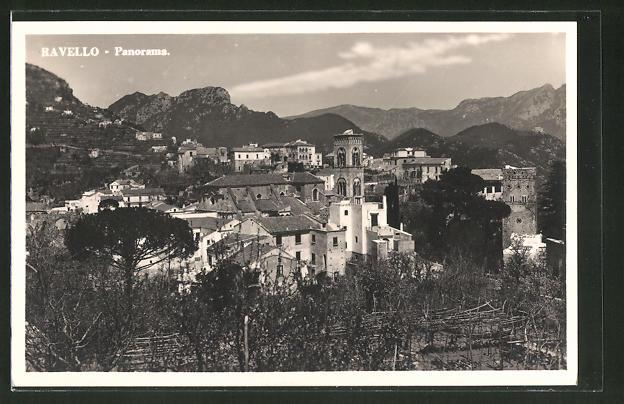 AK Ravello, Panorama mit Bergen im Hintergrund