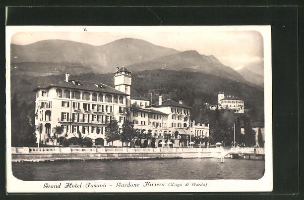 AK Gardone Riviera, Lago di Garda, Blick zum Grand Hotel Fasano