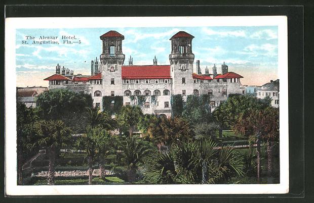 AK St. Augustine, FL, Alcazar Hotel mit Parkanlage