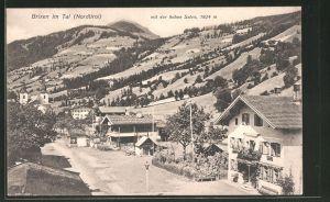 AK Brixen im Tal, Strassenpartie im Ort mit Blick zur hohen Salve