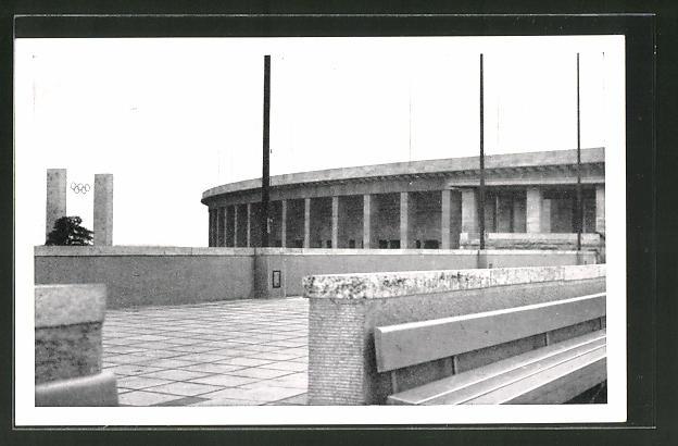 AK Berlin, Olympische Spiele, Reichssportfeld, Blick vom Schwimmstadion auf das Osttor und die Deutsche Kampfbahn