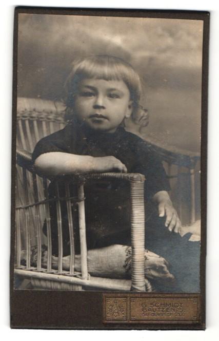 Fotografie G. Schmidt, Bautzen, Portrait Kleinkind mit Locken
