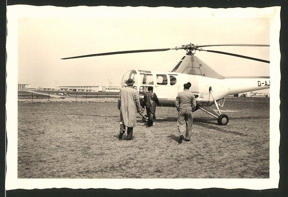 Fotografie Hubschrauber, Helikopter kurz vor dem Start