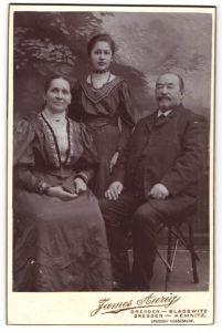 Fotografie James Aurig, Dresden-Blasewitz, Dresden-Kemnitz, Portrait bürgerliches Paar mit Tochter