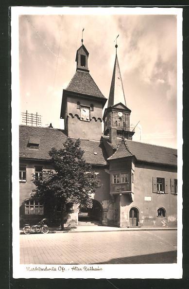 AK Marktredwitz / Ofr., Strassenpartie am alten Rathaus