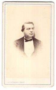 Fotografie A. Liebert, Paris, Portrait bürgerlicher Herr mit Backenbart