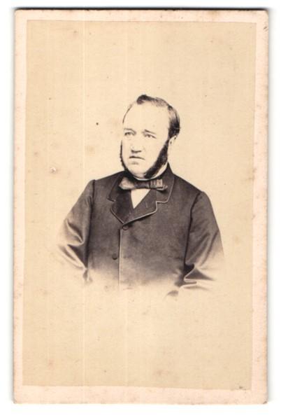 Fotografie Victoire, Lyon, Portrait bürgerlicher Herr mit Backenbart