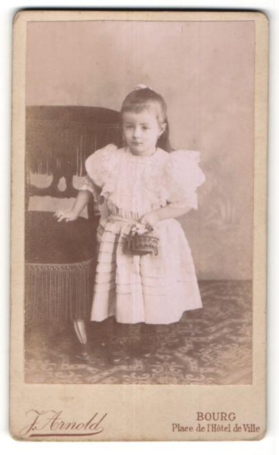 Fotografie J. Arnold, Bourg, Portrait kleines Mädchen in Kleid Nr ...
