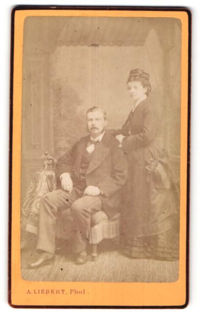 Fotografie A. Liebert, Paris, Portrait gutbürgerliches Paar