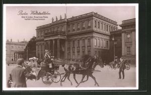 Fotomontage-AK Berlin, Weltstadtleben, Unter den Linden, Kronprinzen Palais, Ausfahrt der Kronprinzessin