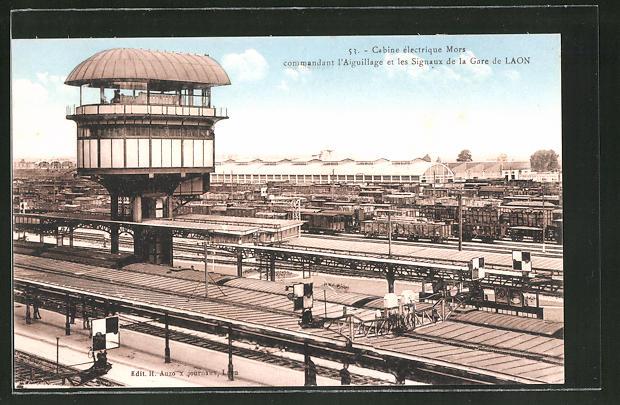 AK Laon, Cabine électrique Mors commandant l'Aiguillage et les Signaux de la Gare, Bahnhof