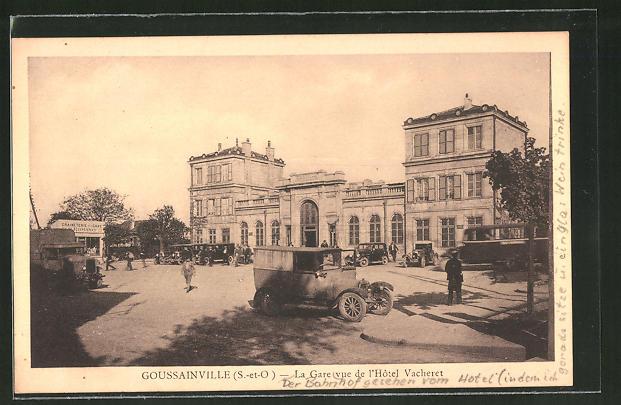 AK Goussainville, La Gare vue de l'Hôtel Vacheret, Bahnhof