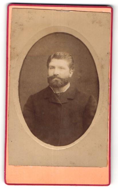 Fotografie E. Join, Lille, Portrait edler Herr mit Vollbart