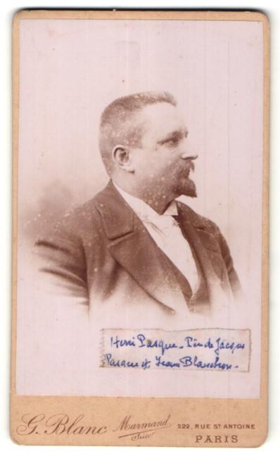 Fotografie G. Blanc, Paris, Portrait junger Mann mit Bart im Anzug
