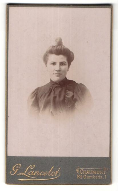 Fotografie G. Lancelot, Chaumont, Portrait hübsche junge Frau mit Dutt