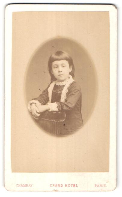 Fotografie Chambay, Paris, Portrait kleines Mädchen mit dunklem Haar