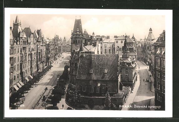 AK Prag / Praha, Zidovská synagoga, Strassenpartie mit Synagoge