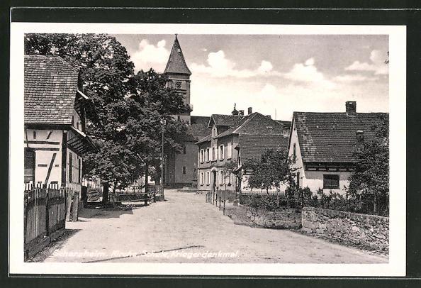 AK Scherzheim, Strassenansicht mit Kirche, Schule und Kriegerdenkmal