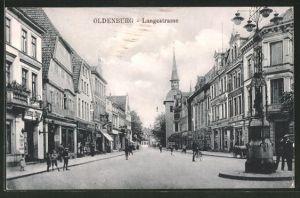 AK Oldenburg, Partie an der Langestrasse mit Passanten und Geschäften