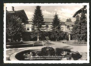 AK Eichwald, Im Garten vom Sanatorium Theresienbad
