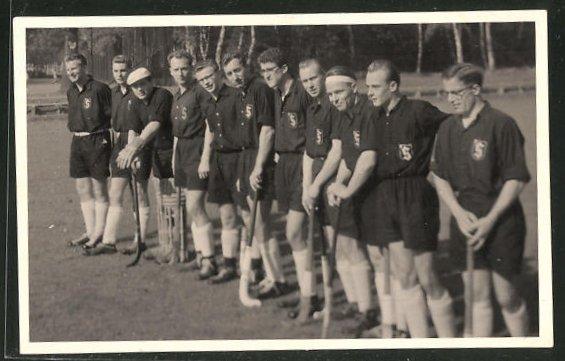 Foto-AK Sportler einer Feldhockey-Mannschaft