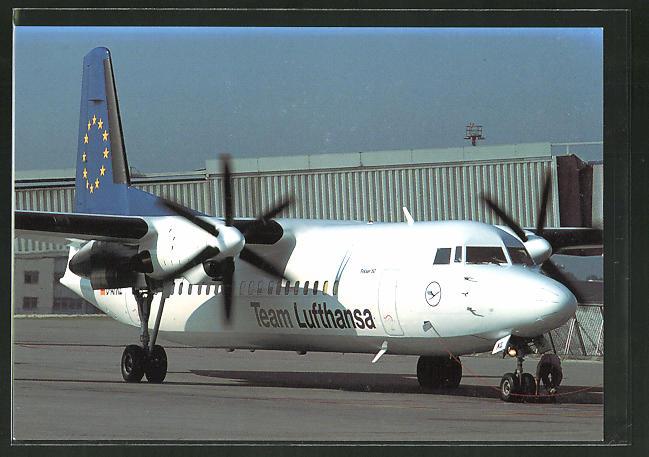 AK Flugzeug Fokker 50 der Lufthansa am Boden 0