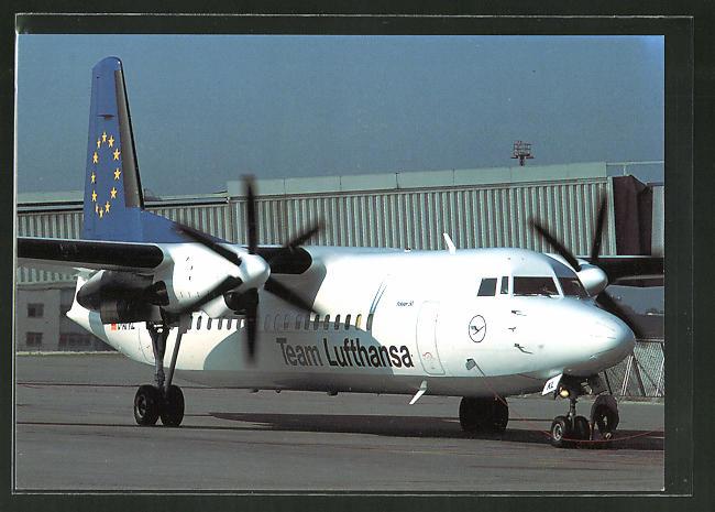AK Flugzeug Fokker 50 vom Team Lufthansa am Boden 0