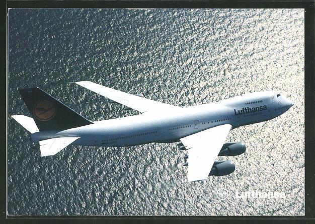 AK Boeing 747-200 der Lufthansa über dem Wasser