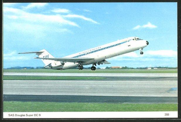 AK Flugzeug Douglas Super DC-9 der SAS beim Start