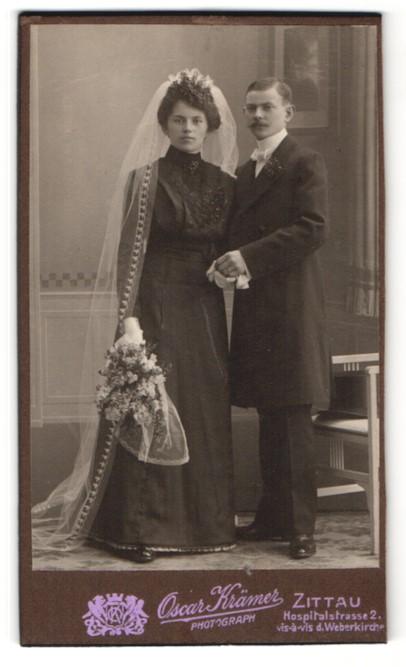 Fotografie Oscar Krämer, Zittau, Portrait bürgerlicher junges Hochzeitspaar, Braut und Bräutigam