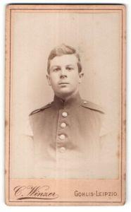 Fotografie C. Winzer, Leipzig-Gohlis, Portrait Soldat mit Schwalbennestern