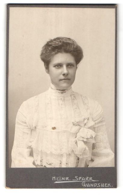 Fotografie Heinr. Sparr, Wandsbek, Portrait Dame mit Hochsteckfrisur