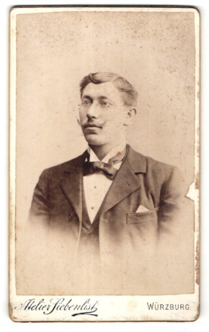 Fotografie Atelier Siebenlist, Würzburg, Portrait bürgerlicher Herr mit Brille