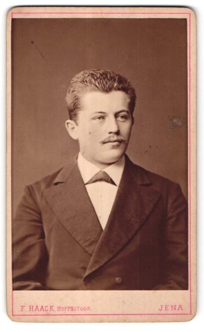 Fotografie F. Haack, Jena, Portrait bürgerlicher Herr mit Oberlippenbart