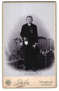 Fotografie Italia, Würzburg, Portrait Knabe in feierlichem Anzug