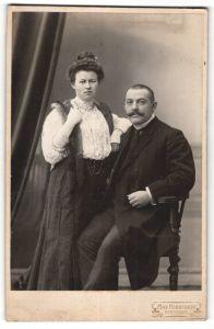 Fotografie Max Herrfurth, Merseburg, Portrait bürgerliches Paar