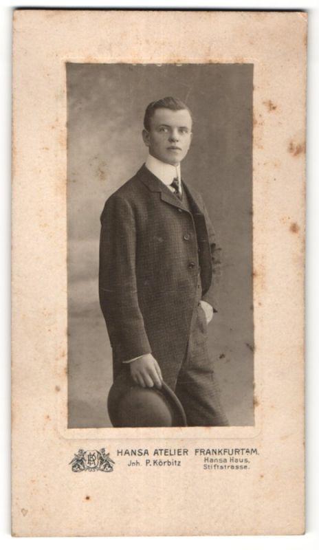 Fotografie Hansa Atelier, Frankfurt a/M, Portrait junger eleganter Herr