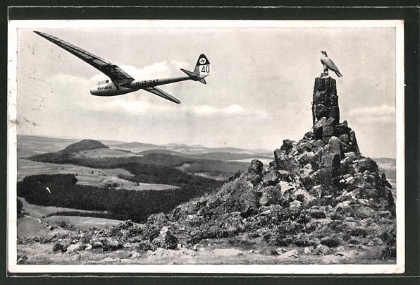 AK Wasserkuppe, Segelflieger am Fliegerdenkmal