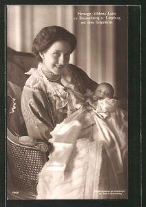 AK Victoria Louise Herzogin von Braunschweig mit dem Erbprinzen im Arm