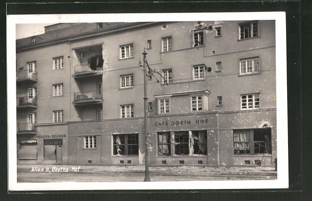 AK Wien, das beschossene Café Goethe-Hof während der Strassenkämpfe um Wien