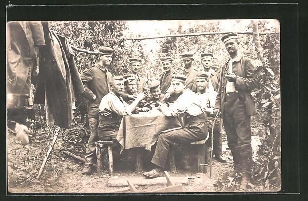 AK Weltkrieg 1914-1918, Soldaten beim Kartenspiel