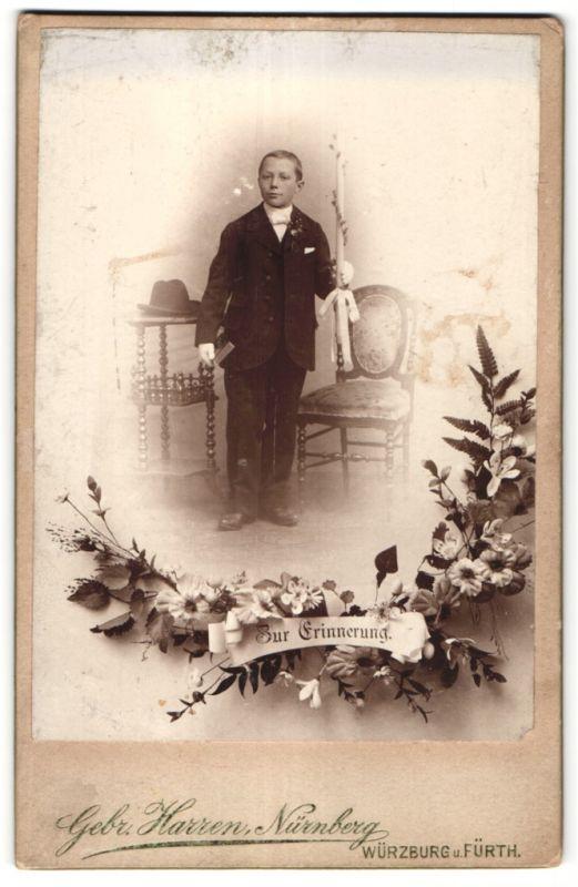 Fotografie Gebr. Harren, Nürnberg, Portrait Knabe mit Kerze, Montage 0