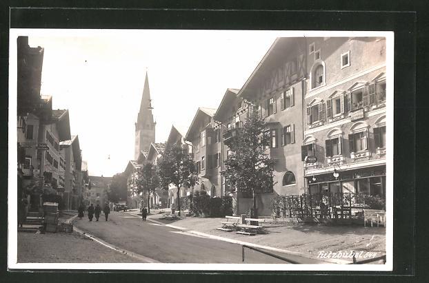 AK Kitzbühel, Strassenpartie mit Gasthof Roter Adler & Friseur