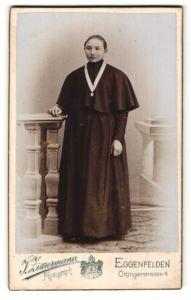 Fotografie Josef Zimmermann, Eggenfelden, Portrait junge Ordensschwester