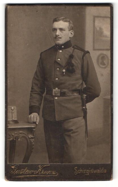 Fotografie Gustav Krenz, Schirgiswalde, Portrait österr. Soldat in Uniform