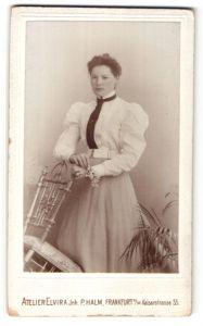 Fotografie Atelier Elvira, Frankfurt a/M, Portrait gutbürgerliche junge Dame