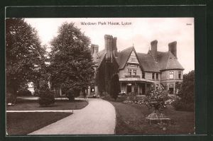 AK Luton, Am Wardown Park House