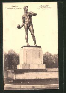 AK Dresden, Ballwerfer auf dem Sportplatz, Lennéstrasse