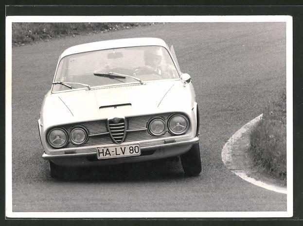 AK Sportfahrlehrgang Nürburgring 1963, Alfa Romeo in Kurvenlage