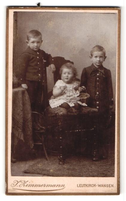 Fotografie J. Zimmermann, Leutkirch-Wangen, Portrait zwei Knaben und Kleinkind
